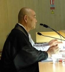 Tokuda parle en conférence